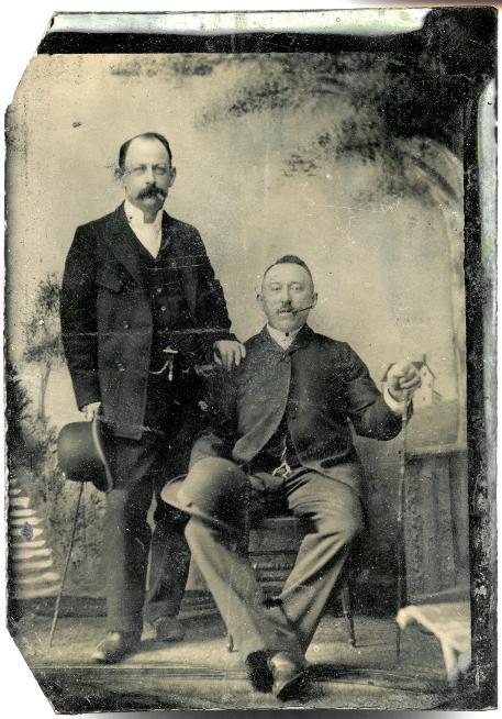 Alexander Forbes Porter Jr. (left)